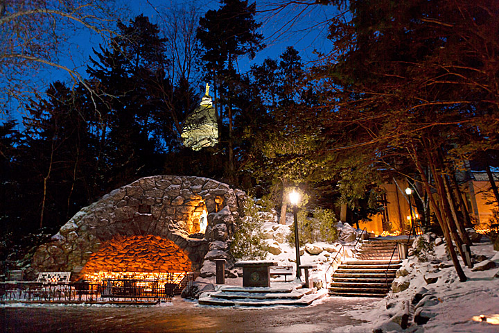 Dec. 26, 2004; Grotto at night in Winter..Photo by Matt Cashore
