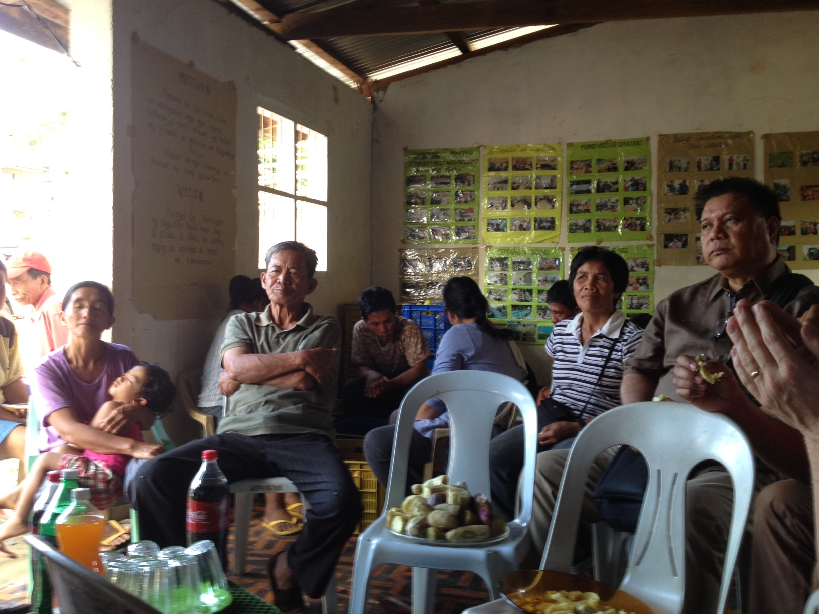 Meeting with Mapita farmers, who produce tomatoes and bell peppers.