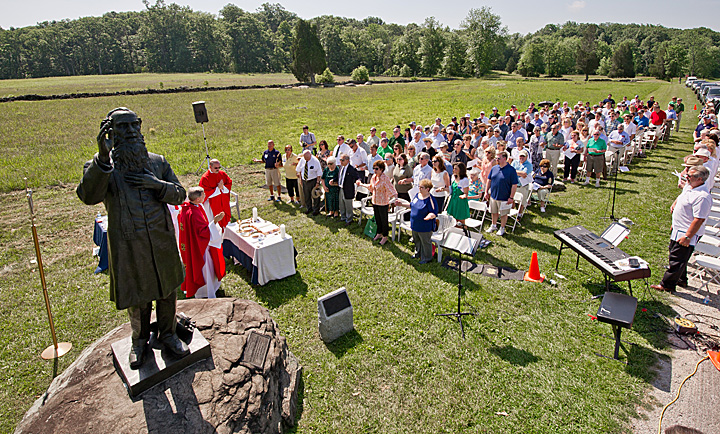 Fr. Jenkins celebrates Mass on the battlefield with the Notre Dame Club of Gettysburg
