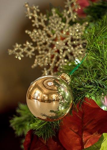 Dec. 17, 2014; Ornament on Main Building Christmas Tree. (Photo by Matt Cashore/University of Notre Dame)