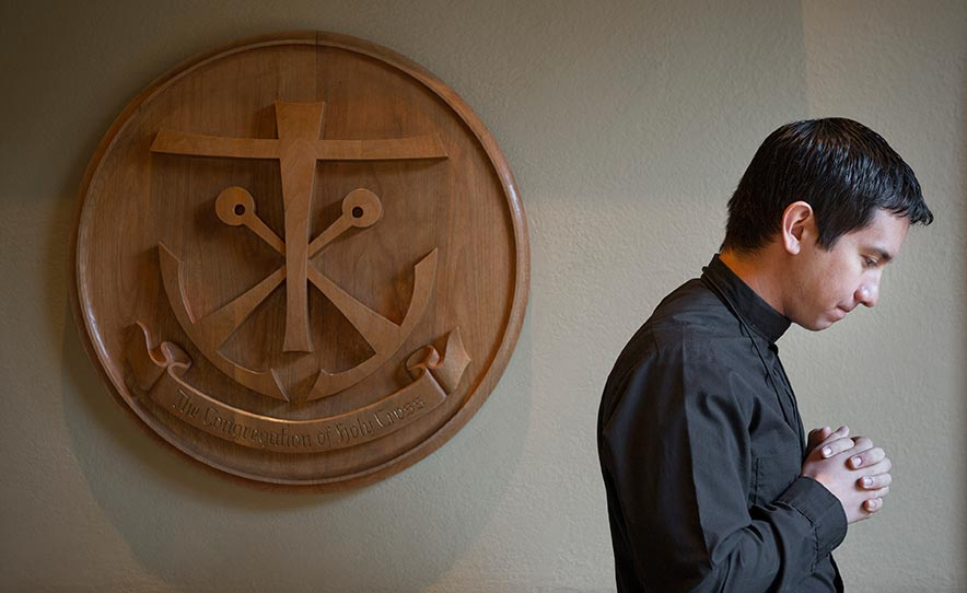 Dec. 2, 2014; Rev. Matthew Kuczora, C.S.C. - Alumni (Photo by Barbara Johnston/University of Notre Dame)