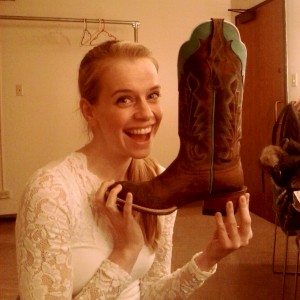 Jennifer Higham shows of her new country kicks.